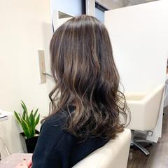 セミロング 大人ハイライト 3Dハイライト ナチュラル ヘアスタイルや髪型の写真・画像