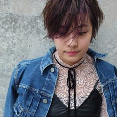 アッシュ ミルクティー ウルフカット ショート ヘアスタイルや髪型の写真・画像
