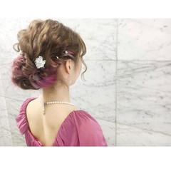 セミロング 結婚式 ナチュラル インナーピンク ヘアスタイルや髪型の写真・画像
