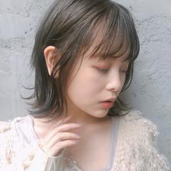 ミディアム デジタルパーマ ナチュラル アンニュイほつれヘア ヘアスタイルや髪型の写真・画像