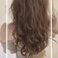 コテ巻き風パーマ デジタルパーマ ナチュラル グレージュ ヘアスタイルや髪型の写真・画像