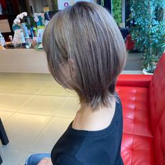 ミディアム マッシュウルフ ストリート ダブルカラー ヘアスタイルや髪型の写真・画像