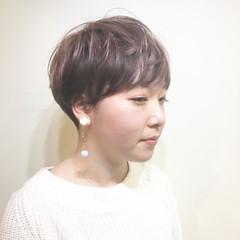 アッシュ ショート マッシュ ミルクティー ヘアスタイルや髪型の写真・画像