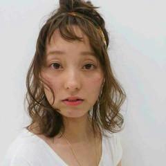 オン眉 ヘアアレンジ ハーフアップ ミディアム ヘアスタイルや髪型の写真・画像