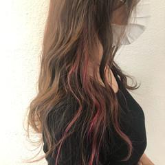 ロング 透明感カラー インナーカラー フェミニン ヘアスタイルや髪型の写真・画像
