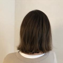 カーキアッシュ 簡単ヘアアレンジ オリーブアッシュ ナチュラル ヘアスタイルや髪型の写真・画像