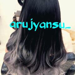 シルバー フェミニン 巻き髪 ロング ヘアスタイルや髪型の写真・画像