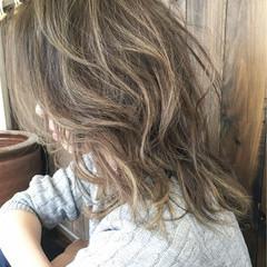 外国人風 大人かわいい ミディアム ブルージュ ヘアスタイルや髪型の写真・画像