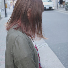 イルミナカラー インナーカラー ミディアム ストリート ヘアスタイルや髪型の写真・画像