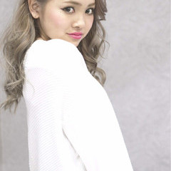 ブリーチ 外国人風カラー ハイトーン セクシー ヘアスタイルや髪型の写真・画像