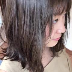 ミディアム ボブ アンニュイ 小顔 ヘアスタイルや髪型の写真・画像