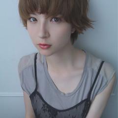 ピュア くせ毛風 ゆるふわ 外国人風 ヘアスタイルや髪型の写真・画像