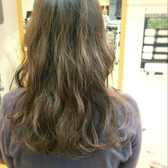大人かわいい アッシュ フェミニン ガーリー ヘアスタイルや髪型の写真・画像
