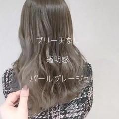 透明感 外国人風 グレージュ ロング ヘアスタイルや髪型の写真・画像