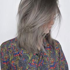 ミディアム ハイライト グラデーションカラー バレイヤージュ ヘアスタイルや髪型の写真・画像