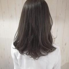 セミロング 暗髪 ナチュラル アッシュグレー ヘアスタイルや髪型の写真・画像