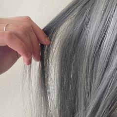 シルバーアッシュ シルバー モード ホワイトシルバー ヘアスタイルや髪型の写真・画像