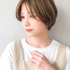ミルクティーベージュ ショートボブ 似合わせカット ストリート ヘアスタイルや髪型の写真・画像
