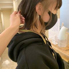 ナチュラル ベージュ ミディアム アッシュベージュ ヘアスタイルや髪型の写真・画像