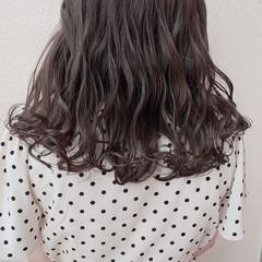 オリーブアッシュ アンニュイほつれヘア グレージュ 大人可愛い ヘアスタイルや髪型の写真・画像