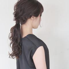 ローポニーテール ロング ヘアアレンジ ゆるふわ ヘアスタイルや髪型の写真・画像