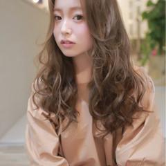 パーマ アッシュ ロング 外国人風 ヘアスタイルや髪型の写真・画像
