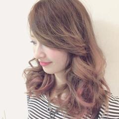 ガーリー セミロング グラデーションカラー 外国人風 ヘアスタイルや髪型の写真・画像