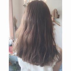 グレージュ 外国人風カラー 女子会 フェミニン ヘアスタイルや髪型の写真・画像