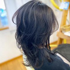 ブルーアッシュ ブルーブラック ウルフカット レイヤーロングヘア ヘアスタイルや髪型の写真・画像