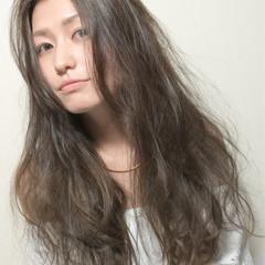 ゆるふわ アッシュ モード 暗髪 ヘアスタイルや髪型の写真・画像