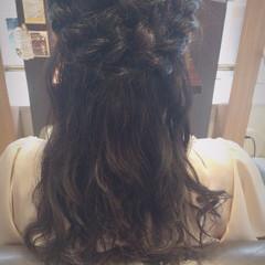 編み込み セミロング ヘアアレンジ 無造作 ヘアスタイルや髪型の写真・画像