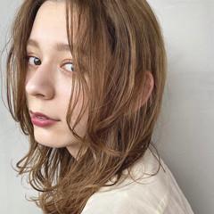 ナチュラルベージュ ワンカールスタイリング セミロング ナチュラル ヘアスタイルや髪型の写真・画像