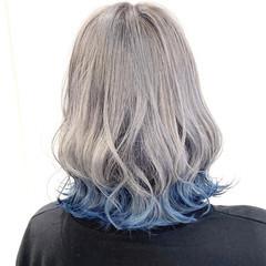 インナーカラー ブルーグラデーション ボブ ホワイトシルバー ヘアスタイルや髪型の写真・画像