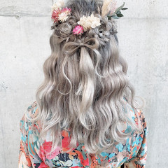 フェミニン 袴 ミディアム ヘアアレンジ ヘアスタイルや髪型の写真・画像