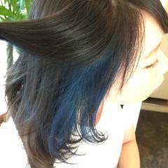 セミロング アッシュ アッシュグレー インナーカラー ヘアスタイルや髪型の写真・画像