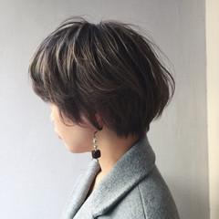 ミルクティー 外国人風カラー モード アッシュ ヘアスタイルや髪型の写真・画像