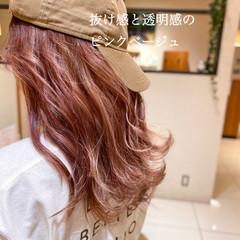 ハイトーンカラー セミロング イルミナカラー 透明感カラー ヘアスタイルや髪型の写真・画像