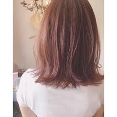 ミディアム ピンク ストリート ゆるふわ ヘアスタイルや髪型の写真・画像