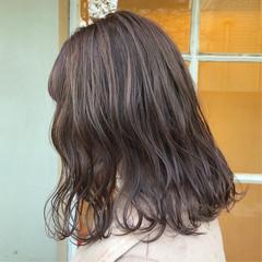 ナチュラル ミディアム ラベンダーアッシュ ラベンダーグレージュ ヘアスタイルや髪型の写真・画像
