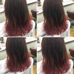ミディアム ガーリー グラデーションカラー ダブルカラー ヘアスタイルや髪型の写真・画像
