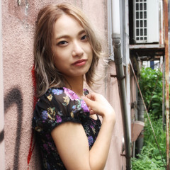 韓国ヘア ミルクティーベージュ 韓国 ミディアム ヘアスタイルや髪型の写真・画像