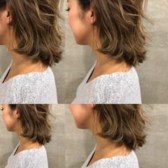 ストリート ハイライト くせ毛風 色気 ヘアスタイルや髪型の写真・画像