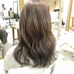 イルミナカラー セミロング ナチュラル ダブルカラー ヘアスタイルや髪型の写真・画像