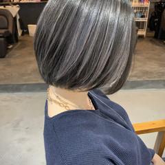 コントラストハイライト ブリーチ必須 ラベンダーグレージュ バレイヤージュ ヘアスタイルや髪型の写真・画像