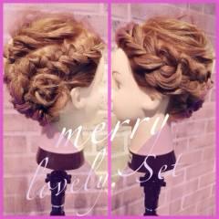 ヘアアレンジ アップスタイル 三つ編み 愛され ヘアスタイルや髪型の写真・画像
