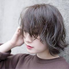 ストリート グレー 暗髪 グレージュ ヘアスタイルや髪型の写真・画像