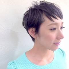 ショート ナチュラル ブラウンベージュ 卵型 ヘアスタイルや髪型の写真・画像