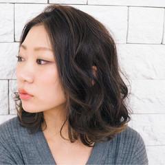 色気 冬 ハイライト ミディアム ヘアスタイルや髪型の写真・画像