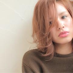 ミディアム 冬 フェミニン ストリート ヘアスタイルや髪型の写真・画像