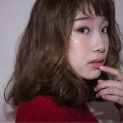 ヌーディベージュ アッシュグレージュ グレージュ フェミニン ヘアスタイルや髪型の写真・画像